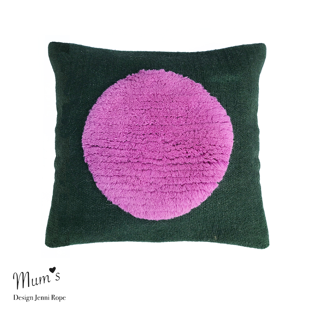 Pipana. One pink on green